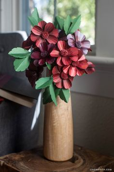 #papercraft #paperflowers #DIYflower #paperflowerpattern www.LiaGriffith.com: