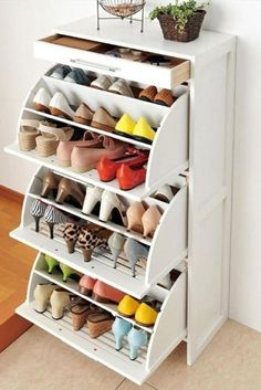 Here for you 30 ideas with closet organization ideas. ★ See more: http://glaminati.com/closet-organization-ideas-in-house/?utm_source=Pinterest&utm_medium=Social&utm_campaign=closet-organization-ideas-in-house&utm_content=photo5