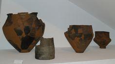 Museo de Valladolid. Ollas procedentes del poblado de la Primera Edad del Hierro situado en El Soto de Medinilla