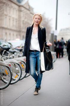 thebearbonesofit:  Martha Hunt off-duty in Paris