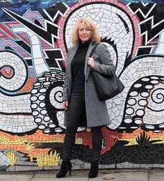 Fashion Trends for Women Over 50 - Fashion Trends Fashion Images, 50 Fashion, Fashion Trends, Holiday Fashion, Fashion 2018, Winter Fashion, Style Challenge, Fashion Challenge, Walking Boots