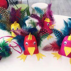Ostern steht vor der Tür Dinosaur Stuffed Animal, Alice, Birds, Joy, Christmas Ornaments, Holiday Decor, Animals, Yogurt Cups, Animales