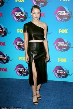 Supergirl Melissa Benoist wears leather outfit to Teen Choice Awards Melissa Benoit, Melissa Benoist Hot, Melissa Marie Benoist, Teen Choice Awards 2017, Hollywood Dress, Skirt Outfits, Supergirl, Dress To Impress, Nice Dresses