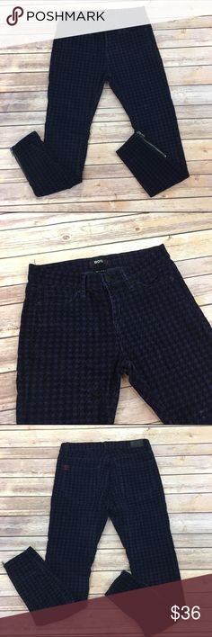 ✳SALE✳BDG Houndstooth Corduroy Pants BDG houndstooth Corduroy Pants in blue and black. 26 w/ Length 28 Rise 9/11 Cotton/ spandex Urban Outfitters Pants