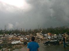 Tornados causan al menos 17 muertos en Estados Unidos