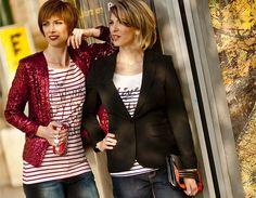 Lenká má sobě červené flitrované sako, F&F, 899 korun; pruhované tričko, Maison