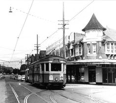 Tram on Military Road at Mosman Junction outside P.Leahy's real estate agency c. Holden Australia, Sydney Australia, London Transport, Public Transport, Australian People, Local Studies, Sydney City, Real Estate Agency, Historical Architecture