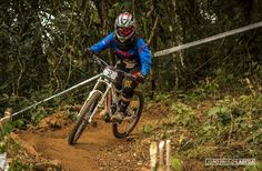 Copa Brasil de Downhill Individual 2015 - CAMANDUCAIA - MG. Piloto: Daniela Moraes. Foto: João Paulo Labeda