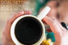 Free printable full of goal-setting questions for a new year. Whether or not you follow them, it helps us create the intention to change. Written by Jeannett Gibson of Life Rearranged- found on Simple Mom/Live Intentionally-blog by Tsh