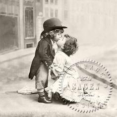 Serwetka do decoupage Kissing Children Vintage - sklep Decoupage Art.pl