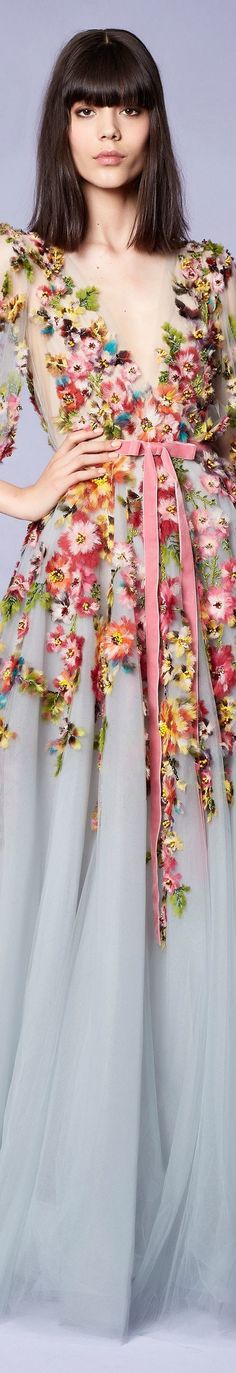 Marchesa Resort 2018 Fashion Show Floral Fashion, Love Fashion, Fashion Show, Fashion Design, Dress Fashion, Beautiful Gowns, Beautiful Outfits, Vestidos Marchesa, Couture Fashion