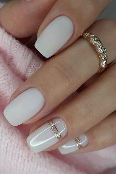 Chic Nails, Stylish Nails, Trendy Nails, Oval Nails, Pink Nails, Matte White Nails, White Short Nails, Silver Nail Art, White Manicure
