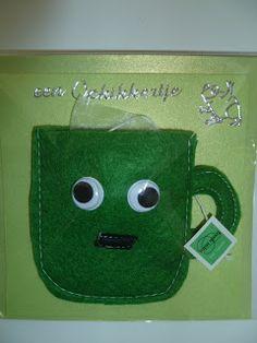De creatieve uil: Vilten kopje met theezakje of koffiepad.