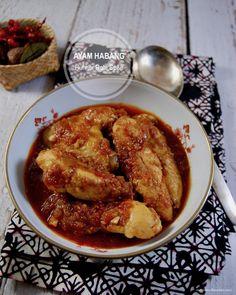 Rezept Hühner rote Soße nach Borneo-Art. Es duftet nach Weihnachten. Herzhaft, würzig und leicht süß. Die Zubereitung ist schnell und einfach. Borneo, Chicken Wings, Easy, Food, Asian Recipes, Cooking, Food Food, Christmas, Essen