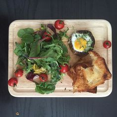 Good morning! Here's my breakfast and it's happy to see you! Baked an egg in a portobello mushroom with lemon thyme, a big, big salad of cress, mesclun and cherry tomatoes with thick slices of brioche. #bigbreakfast #athome #baked #egg #brioche #cress #mesclun #eatyourgreens #dianthuscooks #cherry #tomatoes