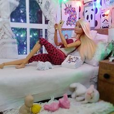 """When you say all morning that you are sleepy, but when night falls 😒, the only thing that is not in your vocabulary is the word, """"SLEEP"""" . Barbie Sets, Barbie Dolls Diy, Barbie Fashionista Dolls, Diy Barbie Clothes, Barbie Doll House, Barbie Life, Barbie Stuff, Monster High Haus, Barbie Bedroom"""