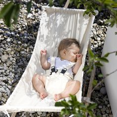 This wonderful Baby Hammock and Stand allows parents to keep their babies close to them at home and in the garden. The Koala is lightweight and can be set up quickly and easily. Active parents can relax anywhere while their babies are swinging comfortably. Space saving foldaway design with simple self assembly (no tools required). Lockable position to prevent unsupervised rocking. Sewn in safety belt. Suitable for up to 9 months.Maximum weight of 15kg. Measures (l)161 cm x x (w)55cm x…