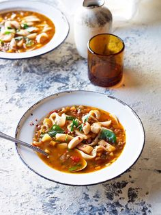 Tomato, lentil and noodle soup (kesme asi) Middle Eastern Recipes, Noodle Soup, Lentils, Noodles, Vegan Recipes, Clean Eating, Stuffed Peppers, Soups, Meals