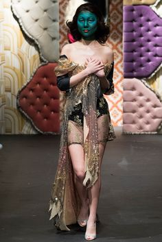 Fashion East Fall 2015 Ready-to-Wear - Collection - Gallery - Style.com WHAT?!