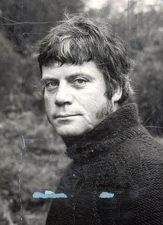 Young Oliver Reed.