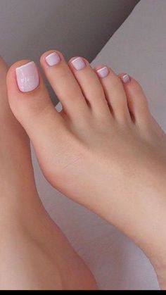 40 our favorite color of toenails pedicures now 2019 041 - Ma Ik - Nagelpflege Pretty Toe Nails, Cute Toe Nails, Pretty Toes, Cute Toes, Gel Toe Nails, Pretty Pedicures, Pedicure Colors, Manicure E Pedicure, Nail Colors