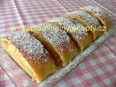Kynutý jablečný závin – Maminčiny recepty Challa Bread, Czech Recipes, Hot Dog Buns, Mexican Food Recipes, Banana Bread, Sweet Tooth, Bakery, Food And Drink, Sweets