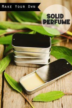 ▷ 1001 + Ideen wie Sie ein Parfum selber machen make perfume yourself, solid perfume with vanilla and jojoba oil, diy cosmetics Perfume Zara, Perfume Diesel, Solid Perfume, Diy Parfum, Fragrance Parfum, Diy Fragrance, Essential Oil Perfume, Essential Oils, Homemade Skin Care