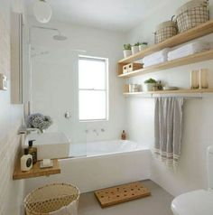 Luxus kleines Badezimmer, das Ideen verziert luxury small bathroom decorating ideas – – Modern Luxury Bathroom Small Bathroom Ideas fTips for small bathroom Small Luxury Bathrooms, Modern Bathroom, Bathroom Mirrors, Design Bathroom, Small Bathroom Bathtub, Bathroom Faucets, Bathroom Storage, Minimalist Bathroom, Bathroom Organization