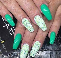 Green nails would be perfect for the summer as this has a cool effect for the eyes. So here's a green and polka dots design for your summer outings.