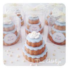 Engagement gift - Wedding cake cookies