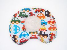 Just what you were looking for! Flat head pillow for baby boys - Cars GOTS Organic Cotton Ergonomic Baby Head & Neck by LazyLambert