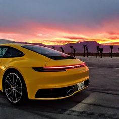 What a lovely looking Porsche 911 in the sunset! * What do you think of the ne… What a lovely looking Porsche 911 in the sunset! * What do you think of the new Porsche * Porsche Panamera, Porsche Autos, New Porsche, Singer Porsche, Porsche Classic, Singer Vehicle Design, Porsche Cayenne, Koenigsegg, Car Wallpapers