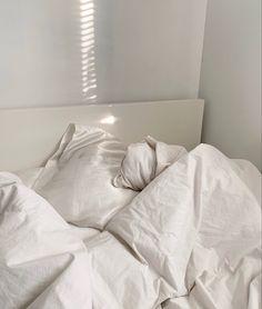 Room Ideas Bedroom, Bedroom Inspo, Bedroom Decor, Aesthetic Bedroom, White Aesthetic, Dream Rooms, Dream Bedroom, Duvet Sets, Duvet Cover Sets