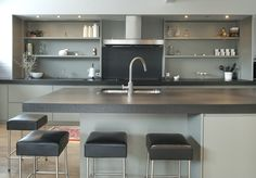 Gray+counter+kitchen+island+with+leather+bar+stools