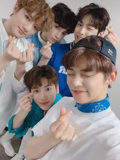 hyunin [PAUSADA] - K pop / K drama - Celebridades Korean Boy Bands, South Korean Boy Band, K Pop, Hip Hop, The Dream, Young Ones, Fan Art, T Rex, Kpop Groups