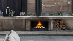 The Escea Outdoor Wood Fireplace is perfect for any outdoor entertaining area. This outdoor fireplace features a BBQ cooking plate. Outdoor Rooms, Indoor Gas Fireplace, Modern Outdoor Fireplace, Outdoor Kitchen Design, Outdoor Dining, Outdoor Wood, Fireplace Cooking, Outdoor Wood Fireplace, Wood Fireplace