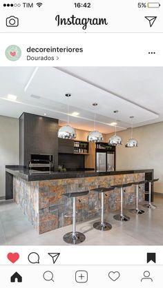 Bela cozinha Rustic Patio, Rustic Kitchen, Kitchen Decor, Kitchen Layout, Kitchen Design, Small Brick Patio, Covered Patio Design, Small Space Kitchen, Concrete Kitchen