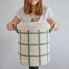 """428 curtidas, 21 comentários - Elisa (@fiosdemalha) no Instagram: """"Perfeito! ❤️ por @kronastore . . #Trapilho #fiosdemalha #fiodemalha #crochetaddict #handmade…"""""""
