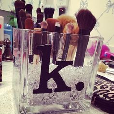 DIY makeup brush holder!