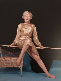Marilyn Monroe is the most iconic figure that emerged from Classic Hollywood. Hollywood Glamour, Hollywood Stars, Hollywood Actresses, Classic Hollywood, Old Hollywood, Estilo Marilyn Monroe, Marilyn Monroe Photos, Milton Greene, Photographie Portrait Inspiration