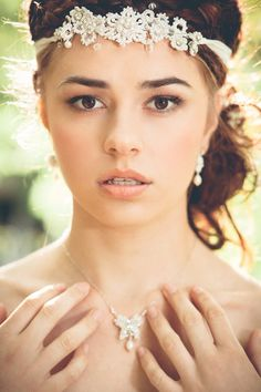 Handcrafted lace floral bridal headpiece and pearl butterfly necklace by Edera Jewelry | http://ederajewelry.com | Enchanted Woodland Wedding Inspiration