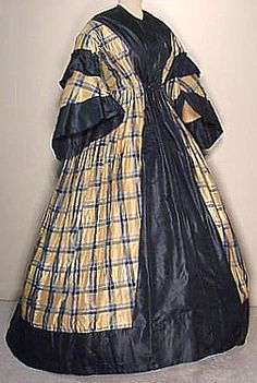 Plaid Silk Wrapper 1860s / 252 x 375 / 46kbytes