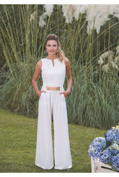 Love this white jumpsuit. White Outfits, Classy Outfits, Cool Outfits, Casual Outfits, Style Désinvolte Chic, Mode Style, Look Fashion, Fashion Outfits, Fiesta Outfit