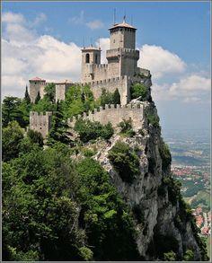 La Rocca di San Marino - via http://bit.ly/epinner