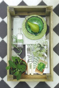 Homes & Garden Aug 2012 Natural Home Decor, Kitchen Linens, Table Linens, Linen Bedding, Home And Garden, Diy Crafts, Homes, Display, Pure Products
