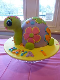 Turtle cake ((cake-inspiration)). Could make the head out of rice crispy treats