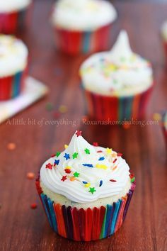 Funfetti yogurt cupcakes with Buttercream frosting - The addition of the Greek Yogurt makes these cupcakes super moist and the colorful funfetti will tempt you grab a second one