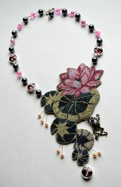 Beautiful embroiderd jewelry by Maria Vukolova | Beads Magic