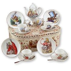 REUTTER PORCELAIN TEA SET*Alice in Wonderland Med. Tea Set in Case # 52/562/0