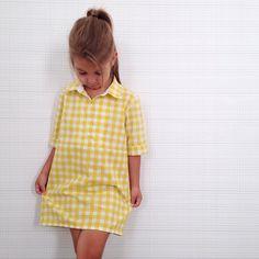 Chique tweed A-lijn jurk van Paul   Joe Sister met contrasterende bies.  Deze chique tuniek jurk geeft kleur aan je zakelijke garderobe, voeg een kl… 16cd51d87387
